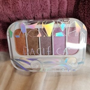 Pacifica Beach Crystals Eyeshadow Palette